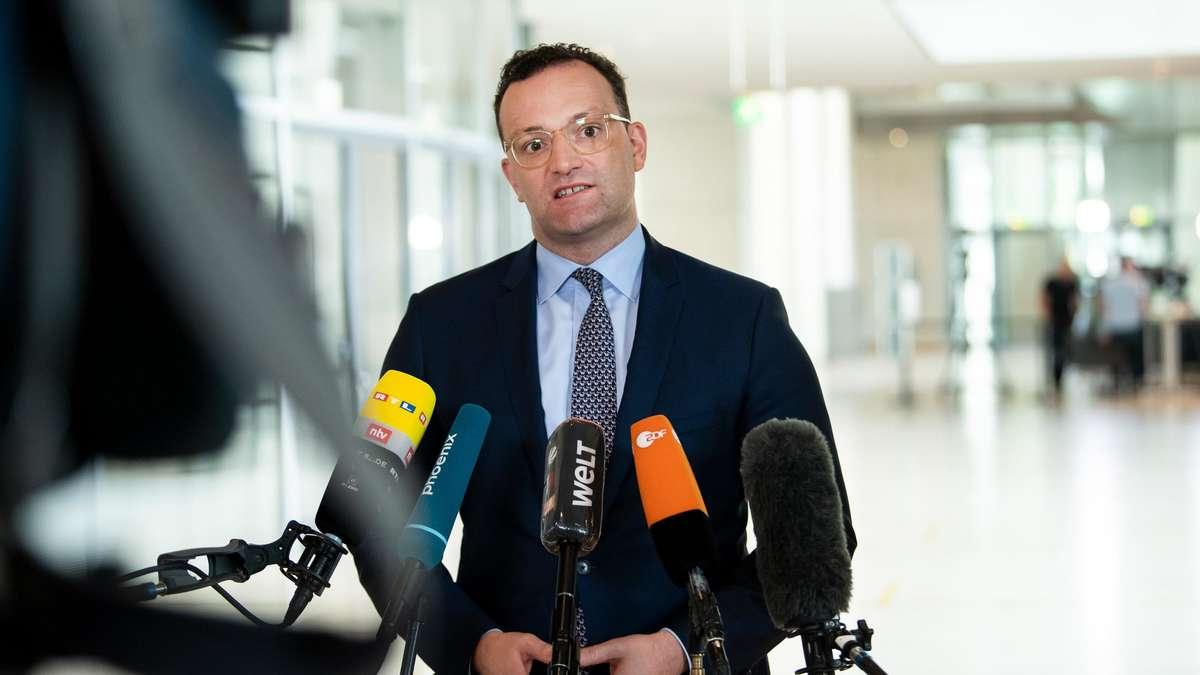 """Corona App: Jens Spahn (CDU) wegen Pannen unter Beschuss - """"Schweigen ist nicht akzeptabel"""""""