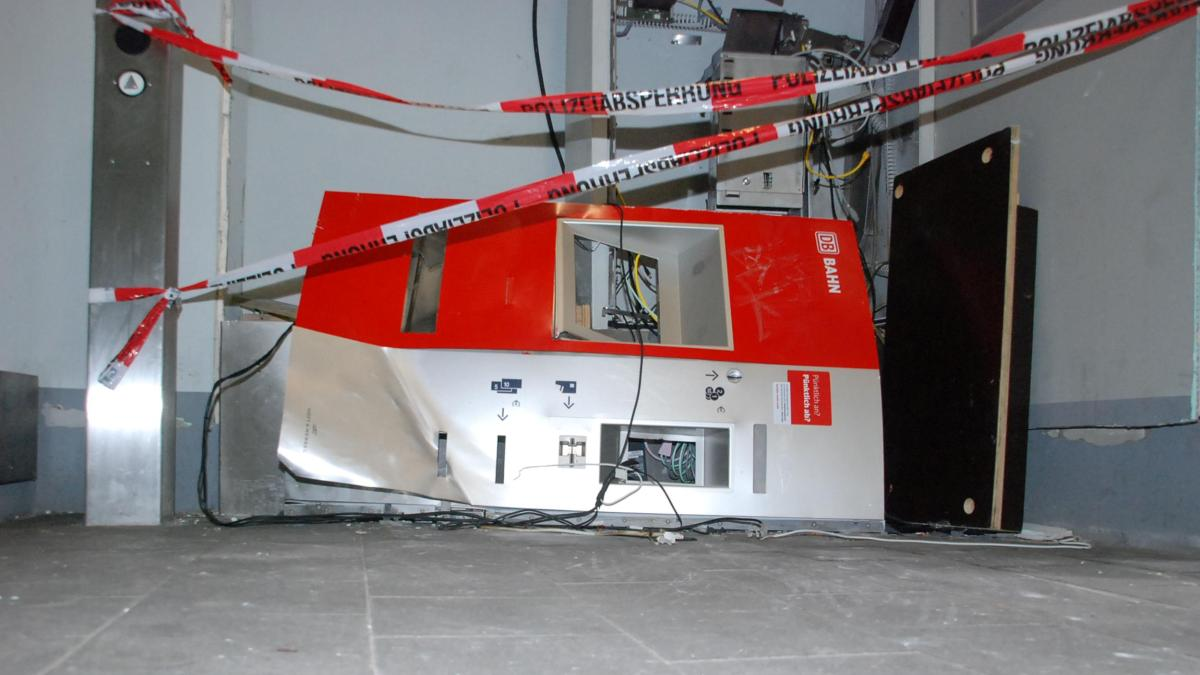 Bahnhöfe: So viele Fahrkartenautomaten wurden bereits in die Luft gesprengt wie im letzten Jahr