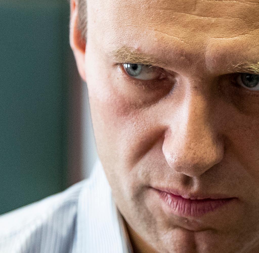 Der Kremlkritiker Navalny leidet offenbar an einer schweren Vergiftung mit einer halluzinogenen Substanz