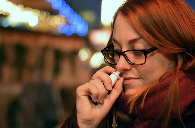 Kann ein Nasenspray vor Infektionen schützen?