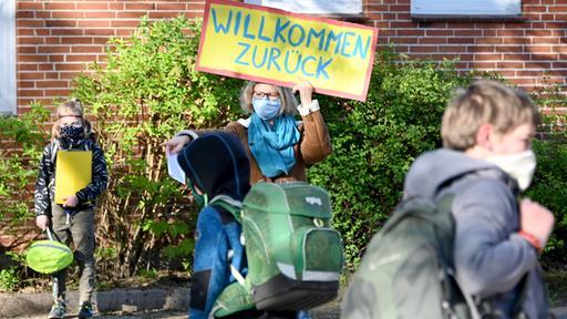 Urlaubsende in anderen Bundesländern: Schulbeginn - mit und ohne Maske